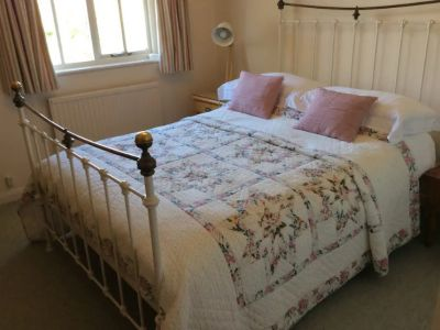 Kings Arms Cottage Double Bedroom