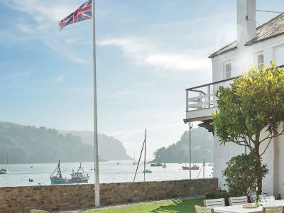 Dartmouth Holiday Homes - The Boat House